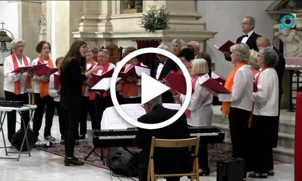 Més de 220 cantaires de la tercera edat omplen l'església en la 4a Trobada de Corals de la Gent Gran