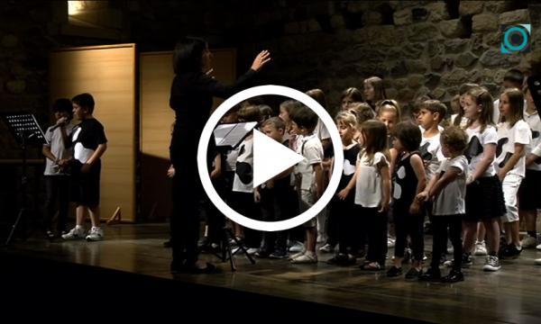La cantata de la vaca Florinda acomiada el curs de la coral de l'Aula Vilalta