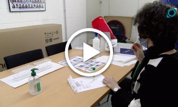 Finalitza el cribratge al professorat de la Selva amb les automostres a l'institut